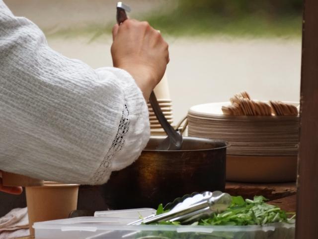 秘密のお料理代行屋さんの主人公が謎を解くコージーミステリ 事件の鍵はチリコンカン