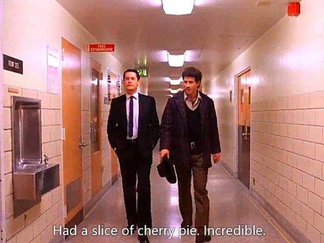 「ツイン・ピークス」ドーナツとチェリーパイを手にクーパー特別捜査官が帰ってくる!