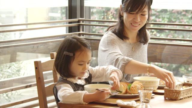 おしゃれ料理小説『パンとスープとネコ日和』で異彩を放つのは「頭脳パン」